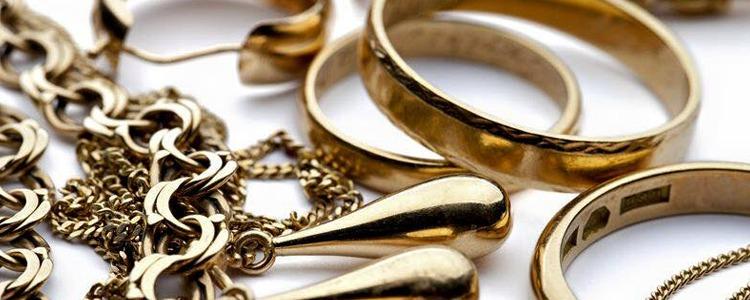 Guld Halsband  cc37d08d3c6a3